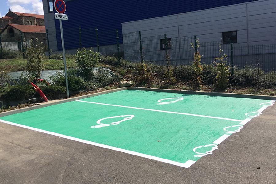 place-parking-exterieur-electriques