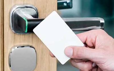Remplacez les clés par la solution sans fil Aperio